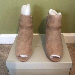 SN - Marc Fisher Shimmee Peep toe shoe